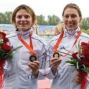 Marie Delattre (à gauche), et Anne-Laure Viard, kayakistes, médaillées de Bronze au JO de Pékin 2008