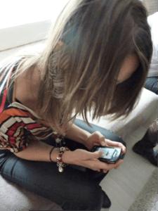 Les cervicalgies des textos ou « text neck »
