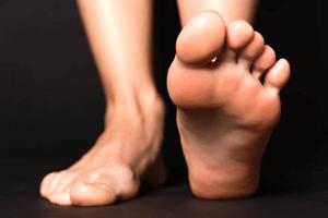 Supinateur, pronateur, universel : pieds et chaussures